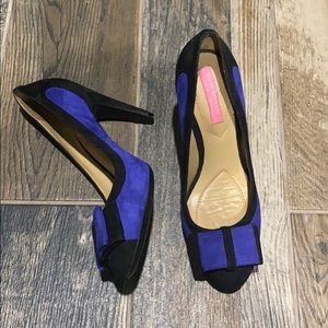 Black and blue pumps